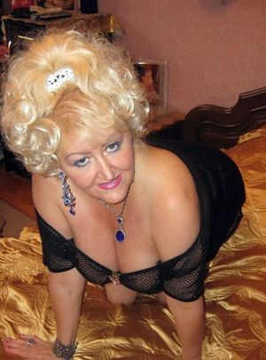 amateur big tits nude
