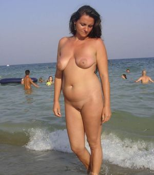 sexy girl beach nude
