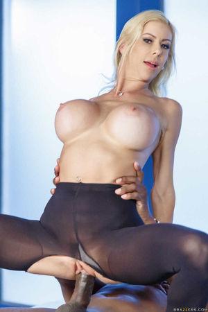 hot big boobs babe