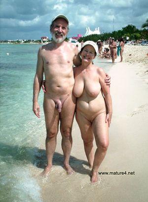 beach babe blowjob