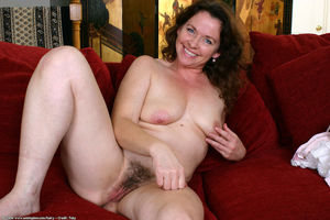 fat hairy mature pussy