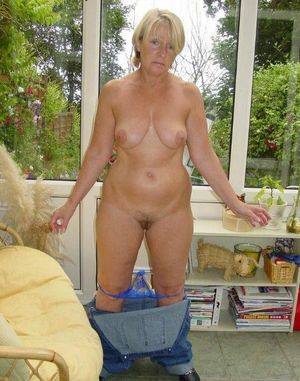 amateur milf outdoors
