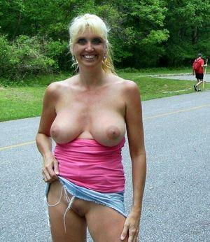 naked amateur big ass