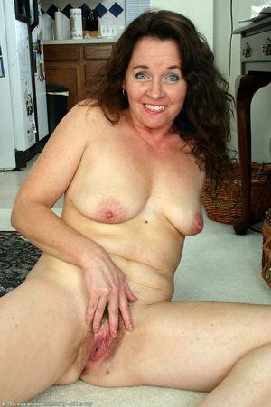 hairy mature lesbian