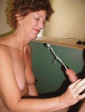 latina mature blowjob