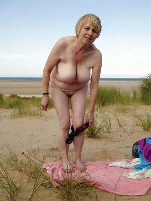 naked amateur granny