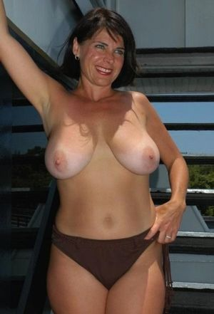 mature naked moms