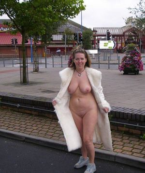 wife nude outdoors