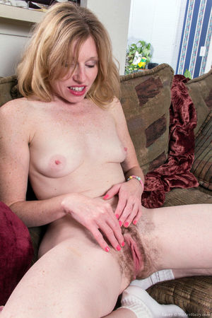 hairy pussy big tits video
