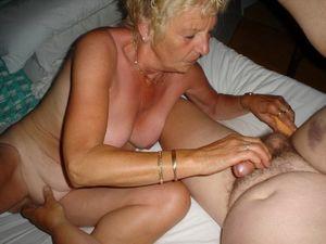 amateur free mature porn video