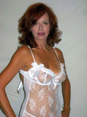 amateur nude milf selfies