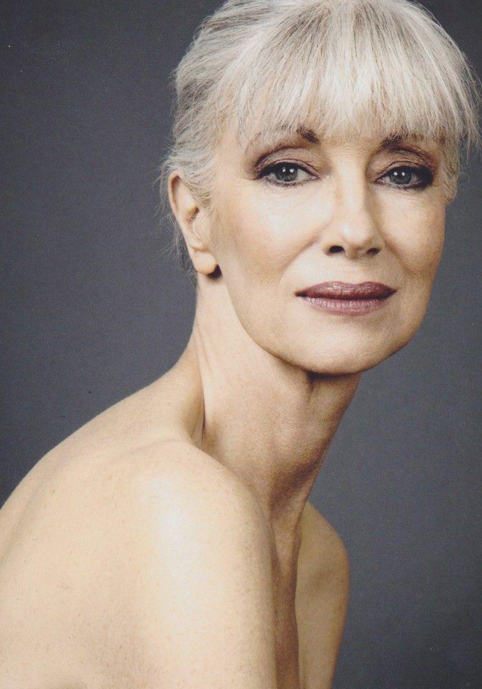 SILVER - Agence de Top Modèles de plus de 40 ans - Paris אפו