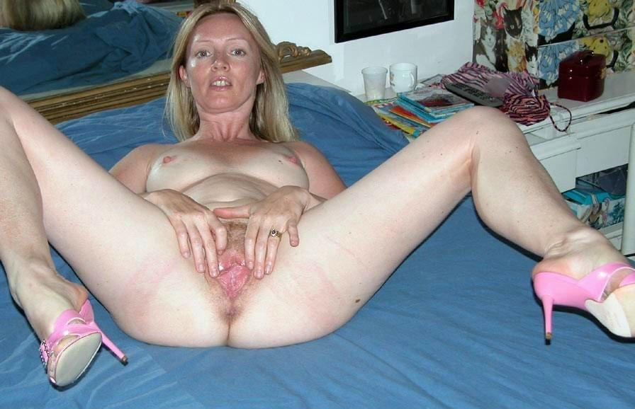 Best Amateur MILFs - The Sexiest Amateur Mature Women