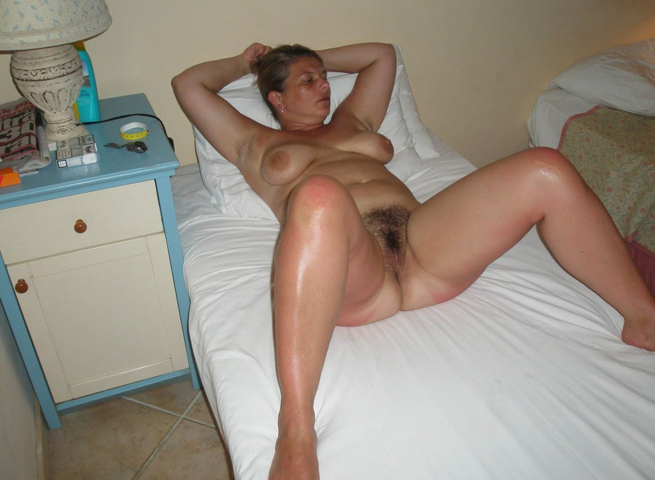 Homemade solo with mature hairy pussy