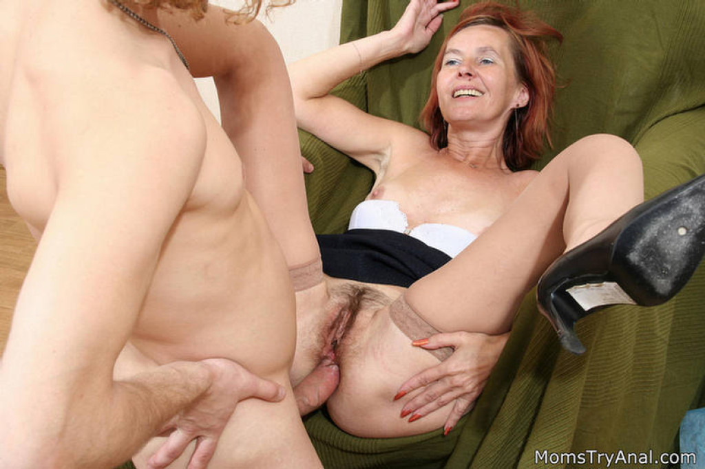 Older woman anal sex pic