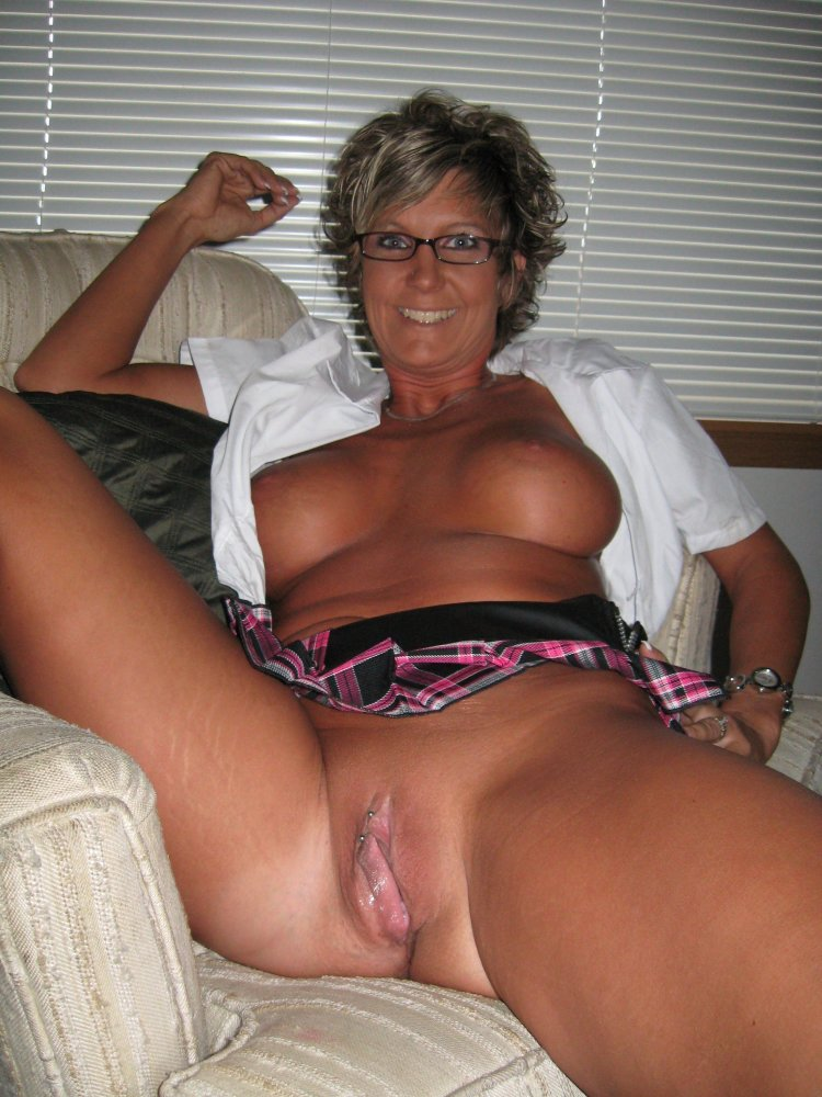 Top amateur mature photos and best homemade mature pictures in hq
