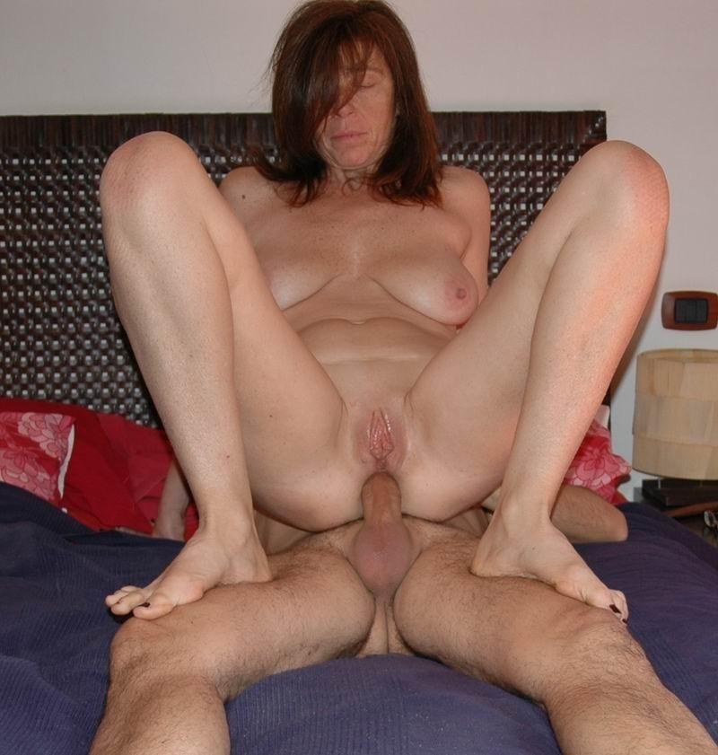 Milf homemade striptease