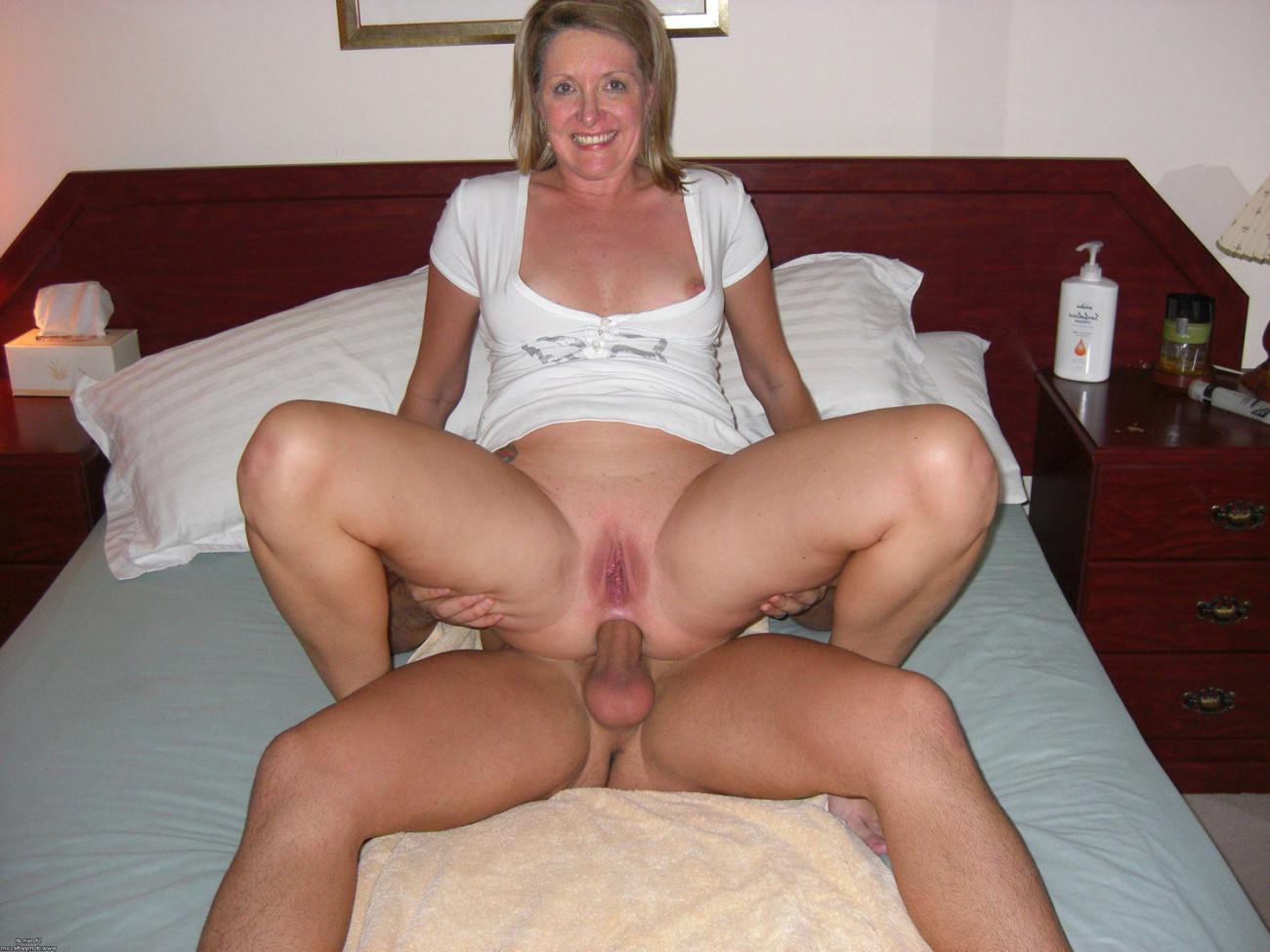 Mature amateur anal vids