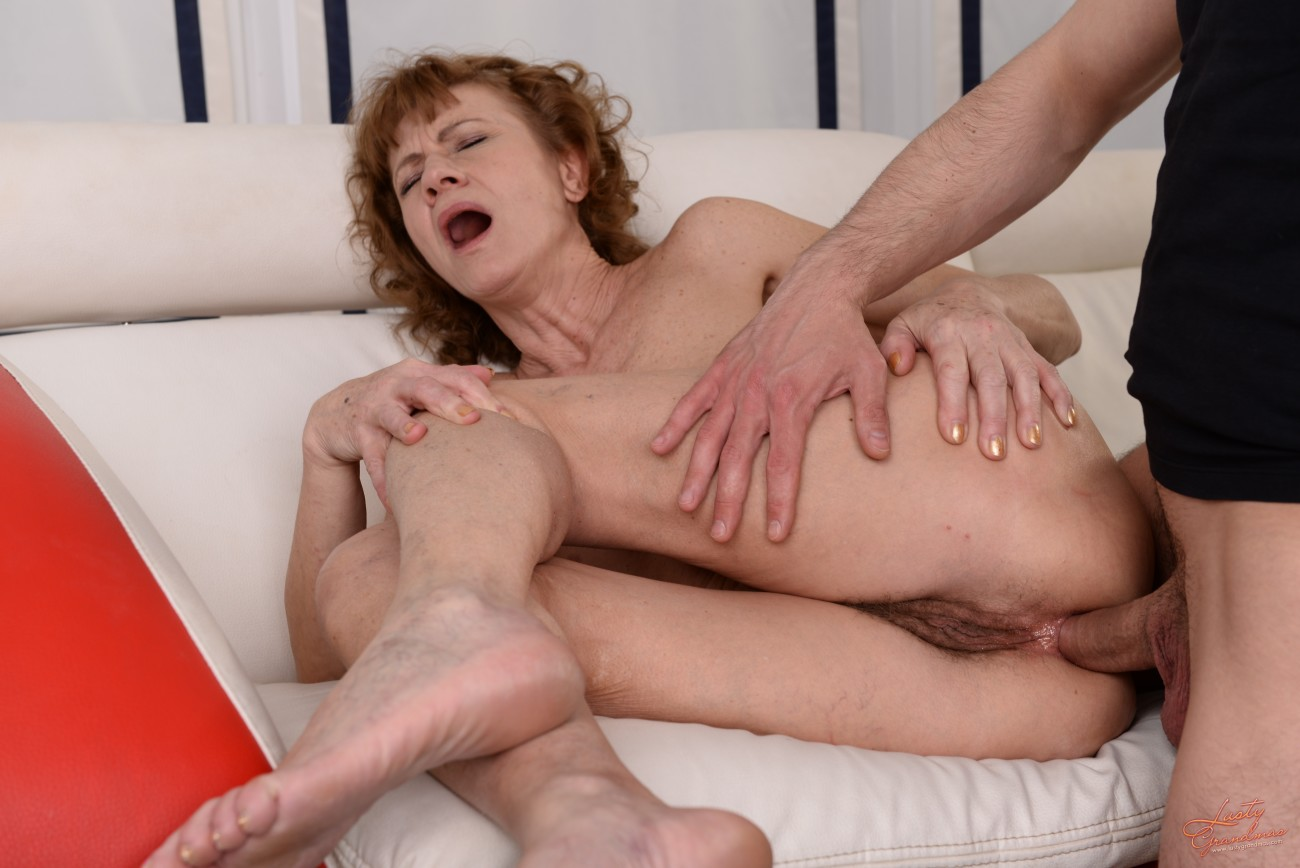 Intercourse mature video — photo 2