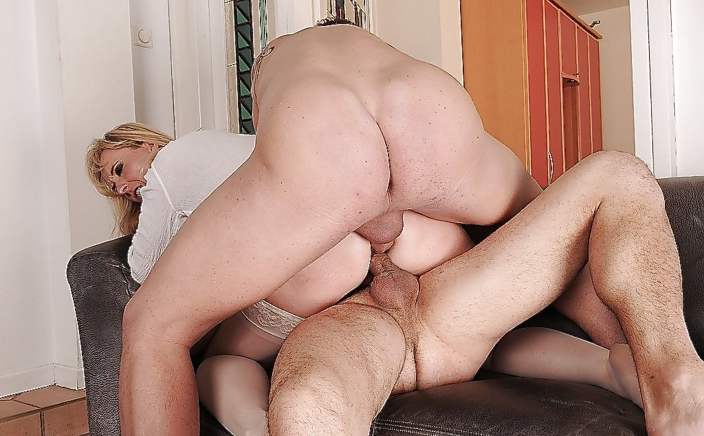 Young Thick Latina Creampie
