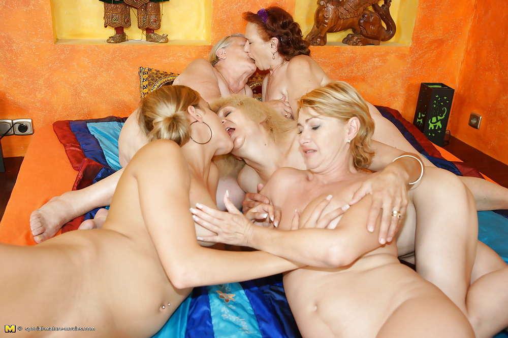 Mature granny orgy 1213 - MILF