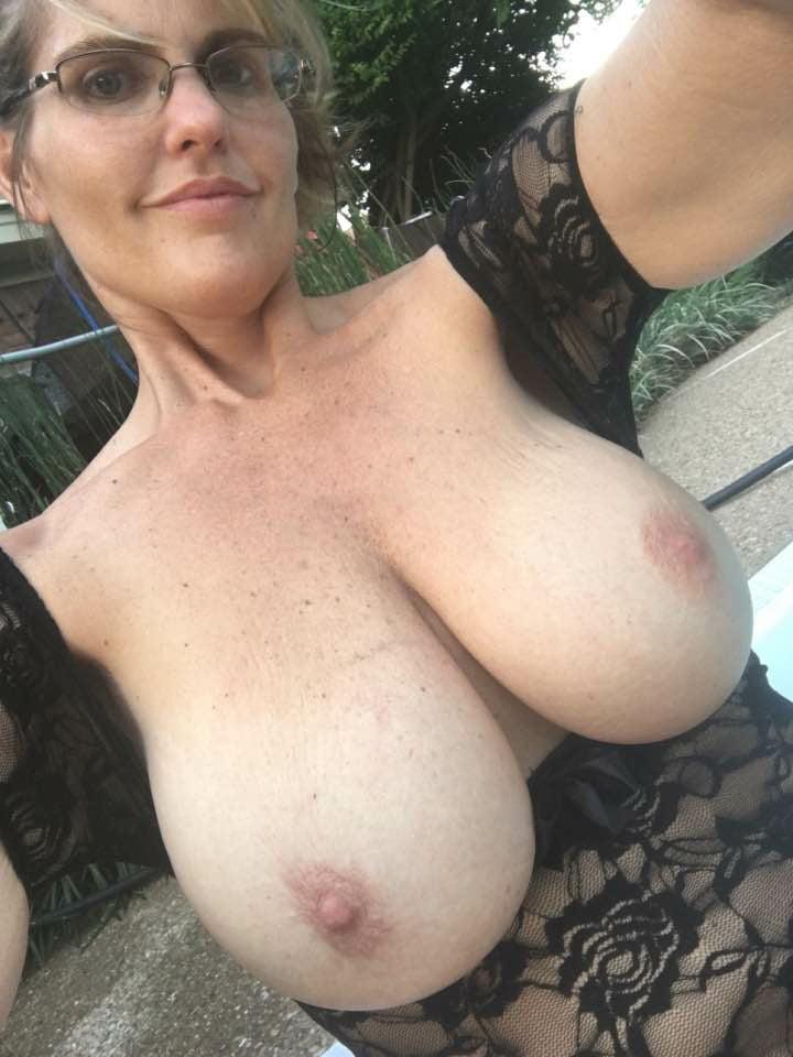 Mature Amateur Big Tit Blowjob
