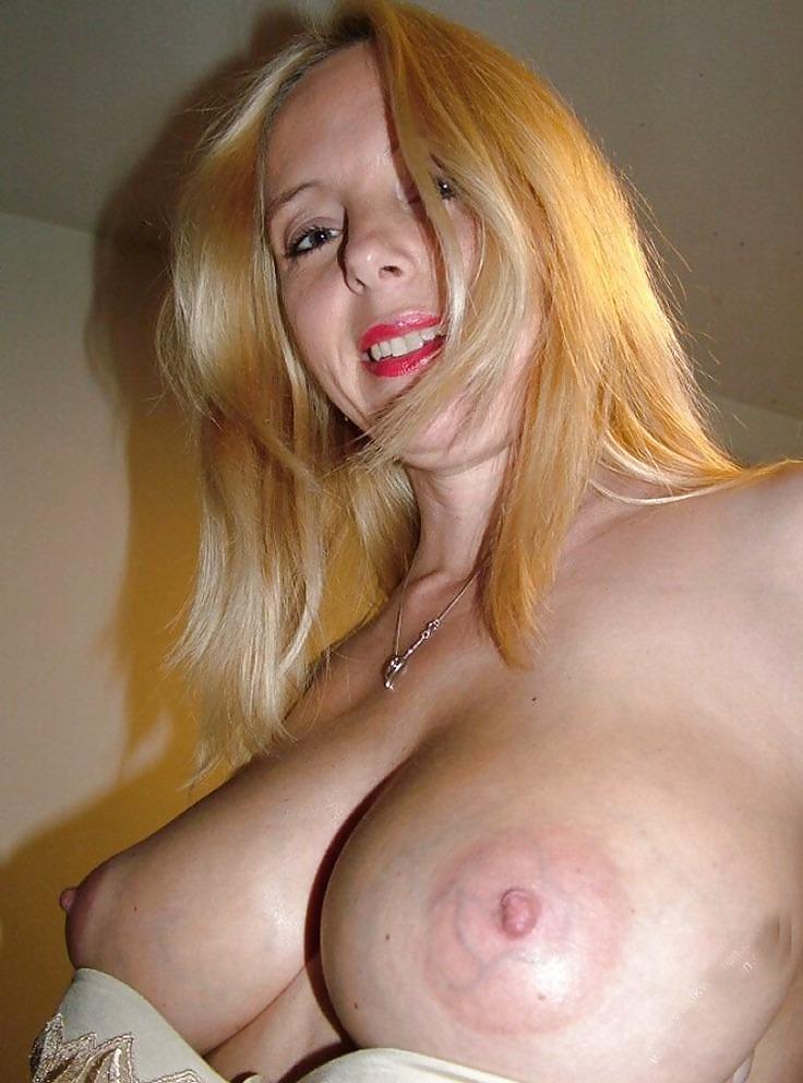 Amateur big blonde boob