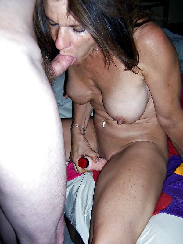 Everyday whores and sluts: Mature moms, milfs, wives - 16 Pi