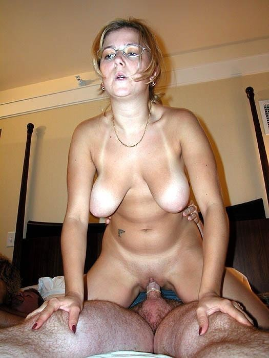 Amateur Titty Fuck Wife