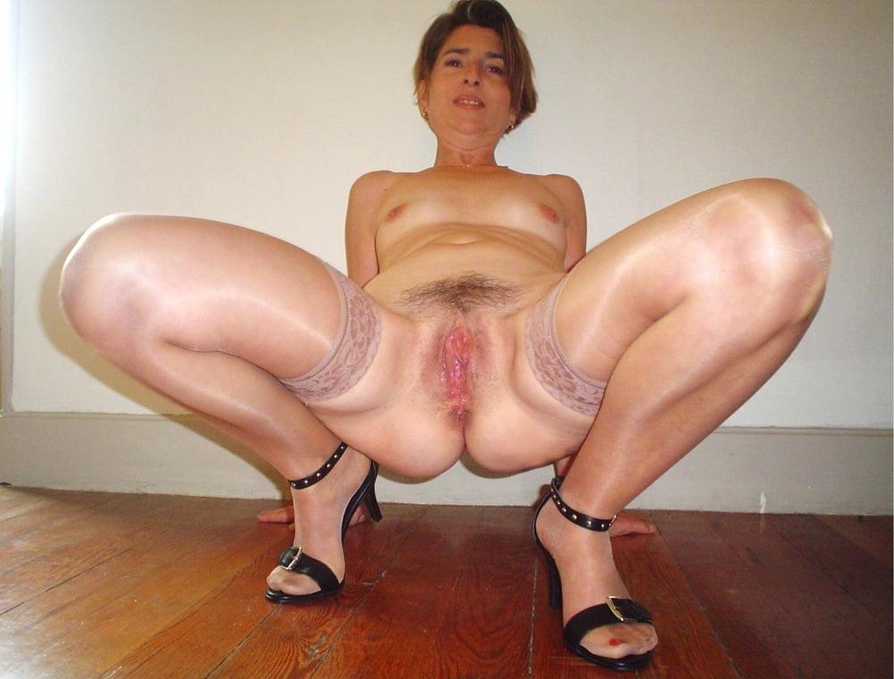 Amateur brunette - Pics - sexhubx