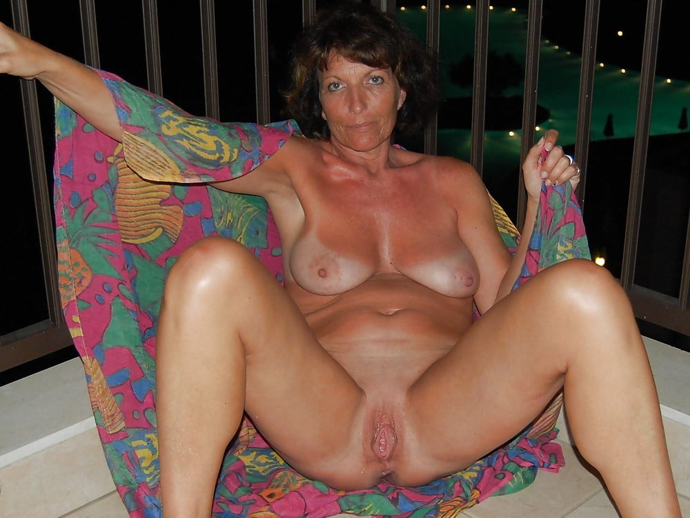 Adult Dating Service Looking For Mature Over Fun