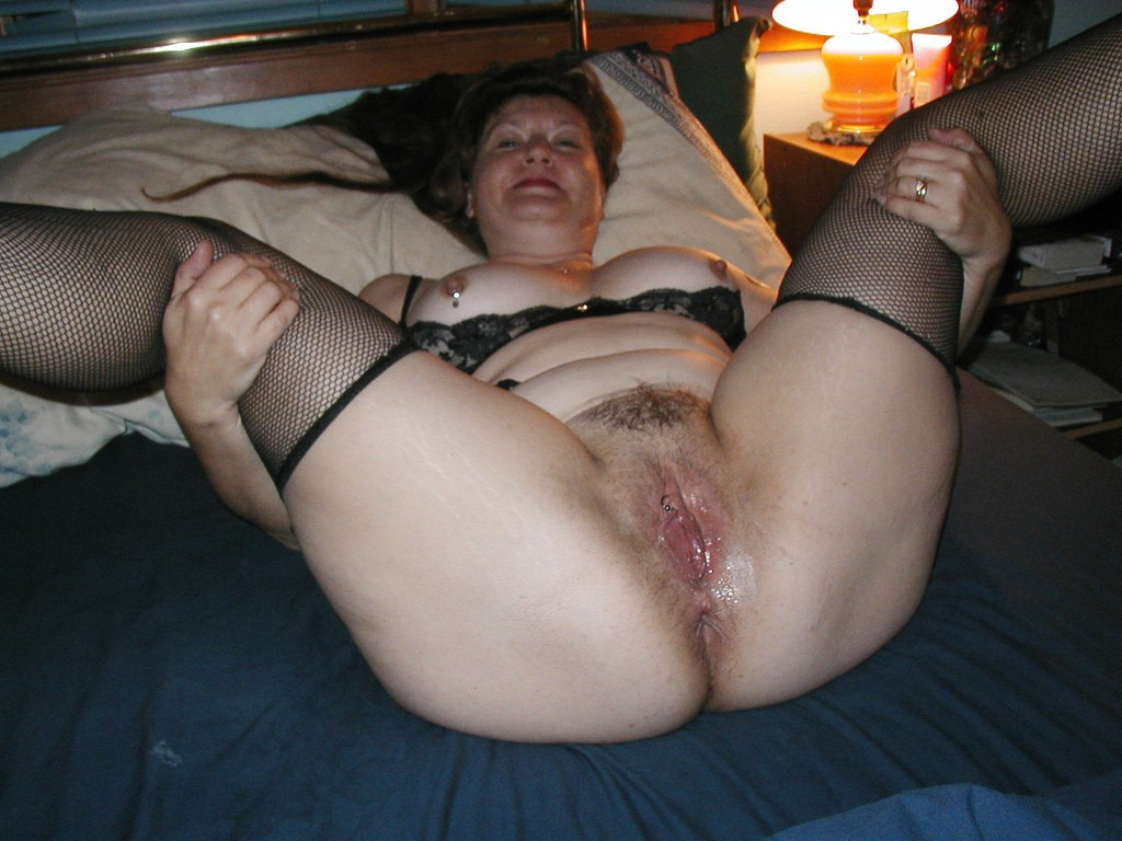 Hairy old pussy