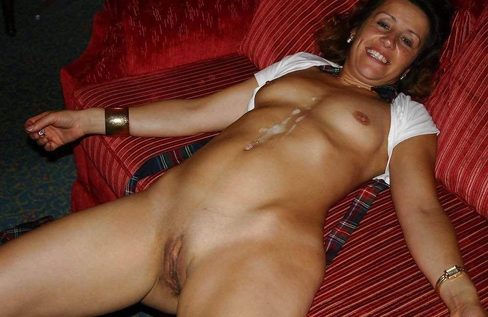 Totally free pictures of nude housewives on the internet