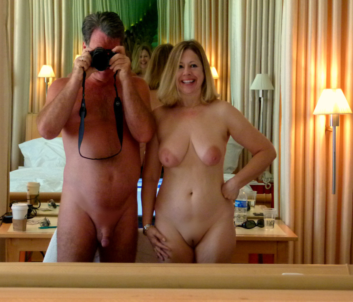 Big tit mature housewife Hard porn pictures.