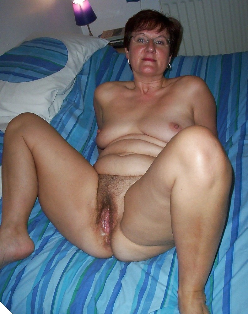 Matures, Milfs, Grannies, and Mothers - Pics - xHamster.c