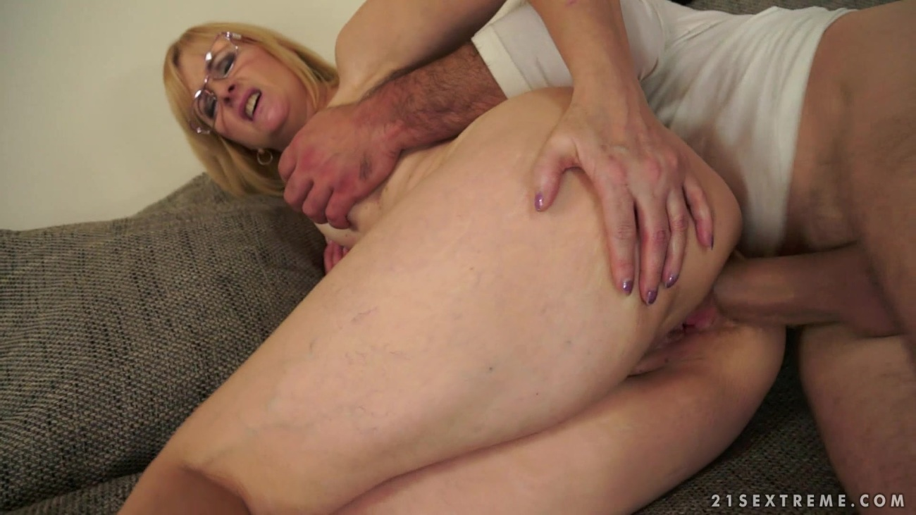 Step mom anal sex