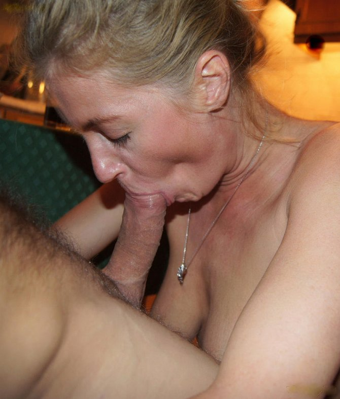 Wife blow job friend - Blowjob