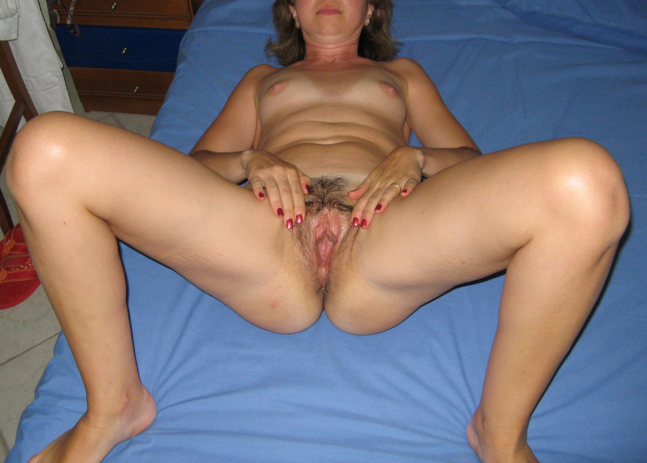 Wife spreading vagina nude