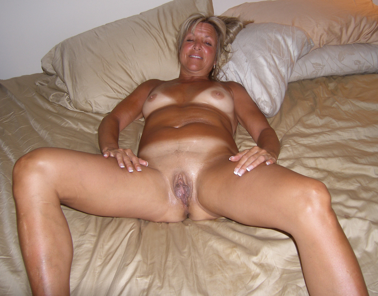 Free naked mature amateur women
