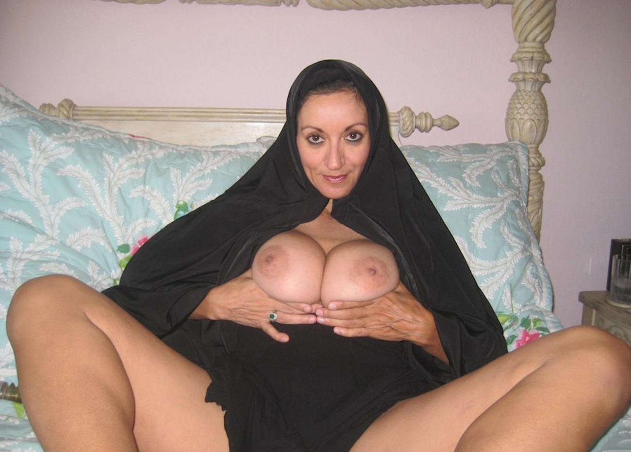 Arabic amateur naked women speaking - photo nue