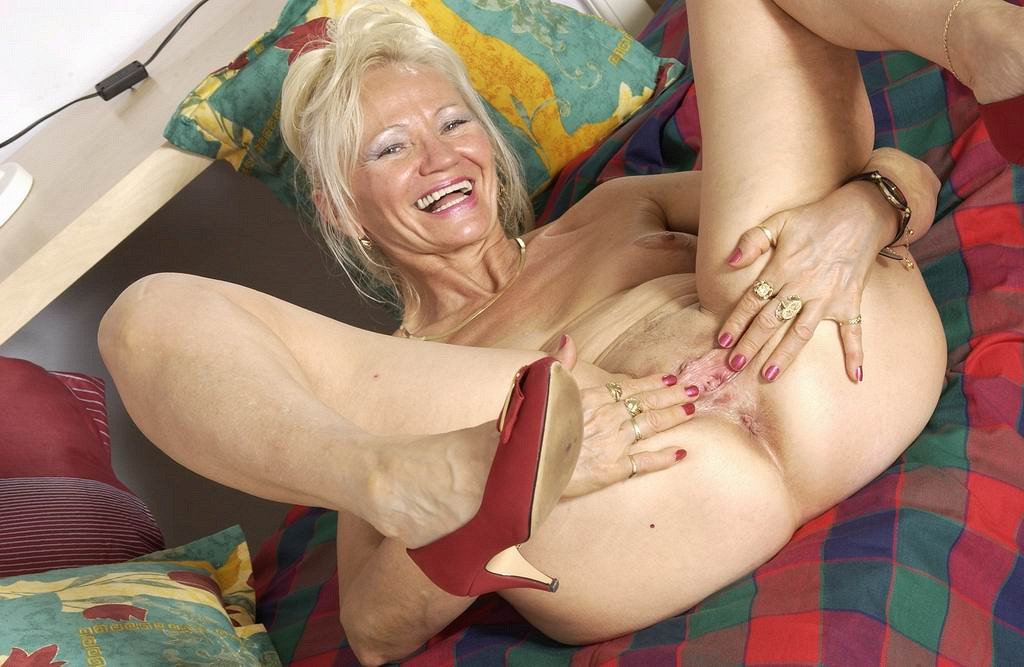 Sexy mature women old moms get fucked hard