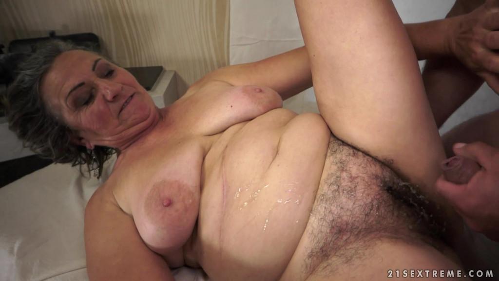 Old pussy cock slut