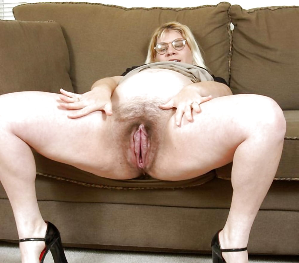 Extreme fisting gaping loose pussy big dildo Фото