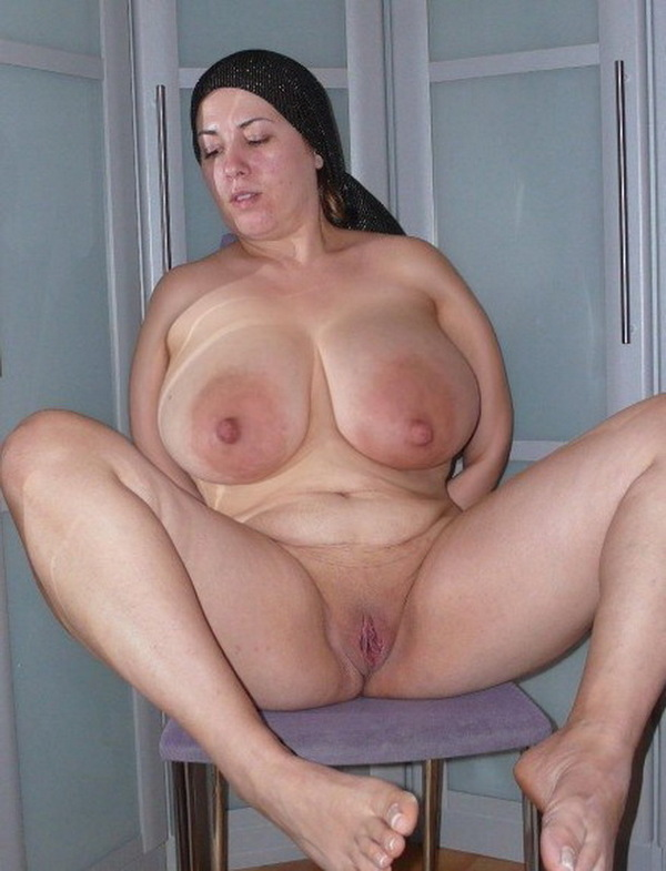 Mature With Big Tits Getting Naked