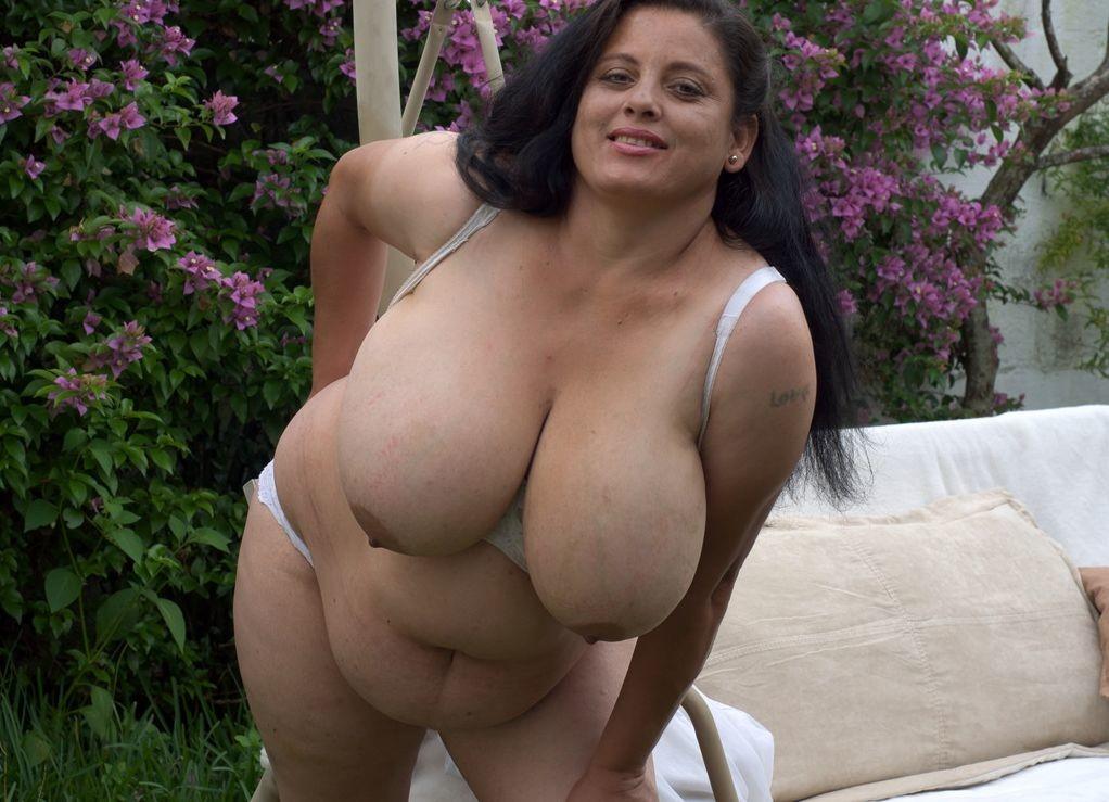 Dania Photo Picture Bed Bbw Big Tits Big Boobs Boobs Webcam
