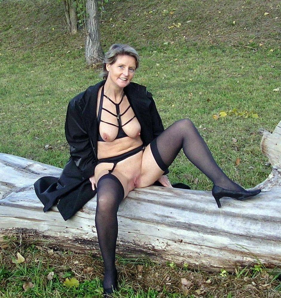 Mixed photos with mature women exhibitionist in european towns