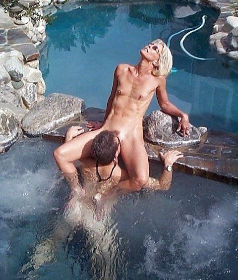 I filmed how mature couple fucks in the pool in Egypt hotel