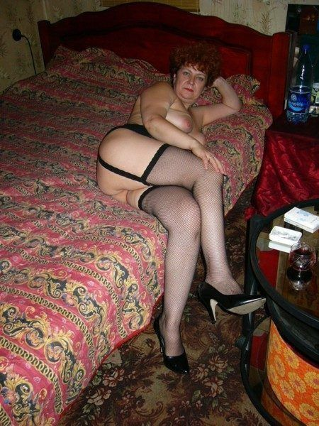Chubby mature housewives naked at home, rate these big mature booty!