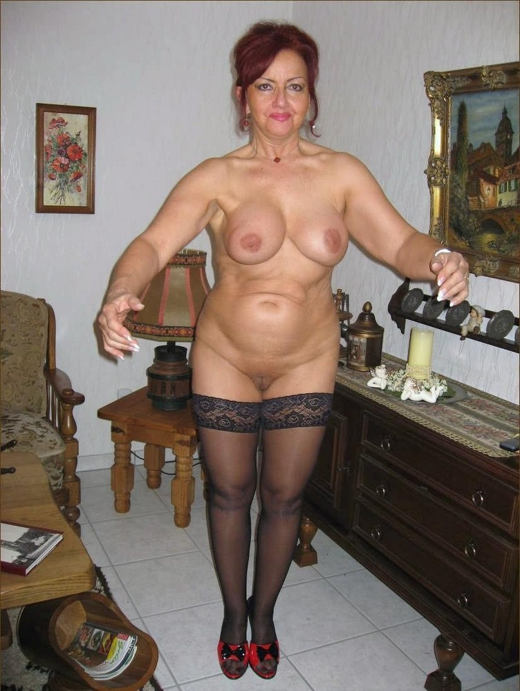 Sexy Nude Mature Ladies