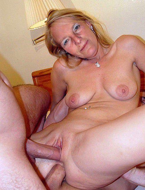 Mature mix chubby BBWs naked